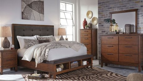 6 Piece Queen Bedroom Set Complete With A Dresser, Mirror, Chest, Nightstand and Bed
